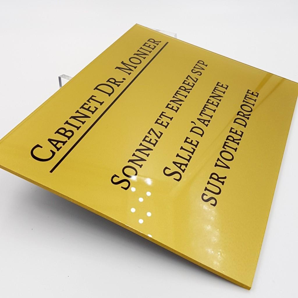 Plaque professionnelle en plexiglas 20x15cm gravure et lettrage mis en teinte surface lisse au - Plaque en plexiglas ...