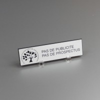 """PLAQUE BOITE AUX LETTRES /""""PAS DE PUBLICITE SVP/"""" STOP PUB EN RESINE 6X1.5 CM N°11"""